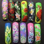 Дизайн акриловыми красками на ногтях